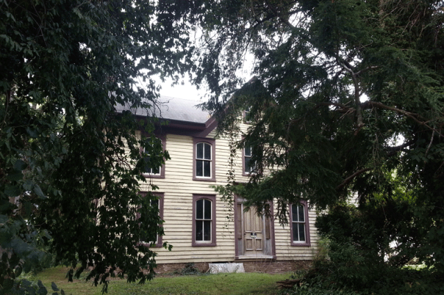 PItts House in Berlin MD. One of the most haunted places in Berlin.